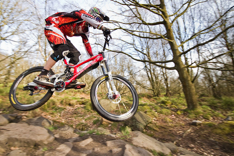 Steve Peat Signs With Five Ten Shoes Mountain Bikes Press