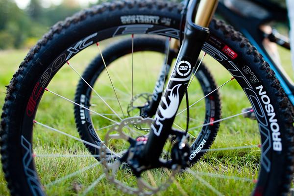 Drag Racing Helmets >> Introducing the Easton EC90 XC Wheelset - Mountain Biking Videos - Vital MTB