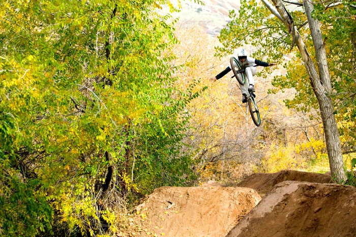 If you don't click the pic, JD may never get his hands back on the bars!