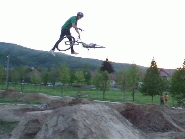 Daniel Szucs 2009 webvid